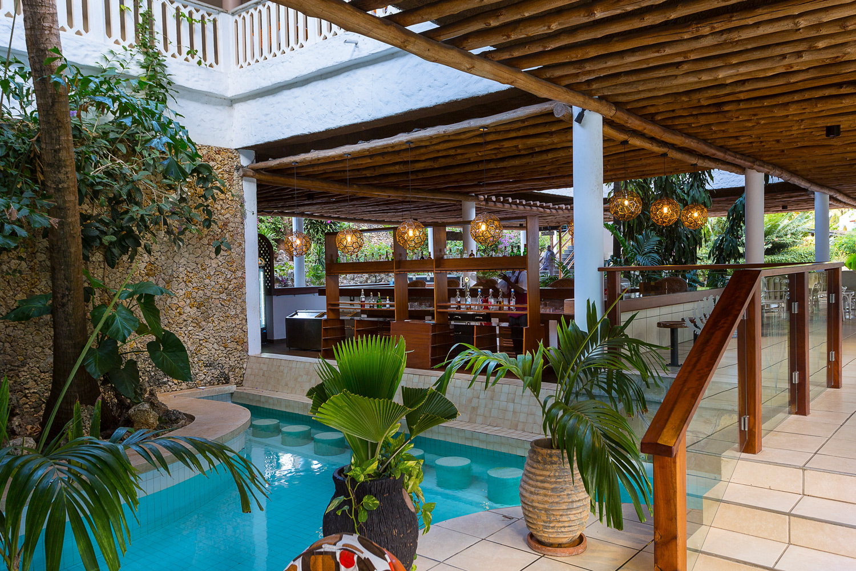 Travelers Beach Hotel & Club