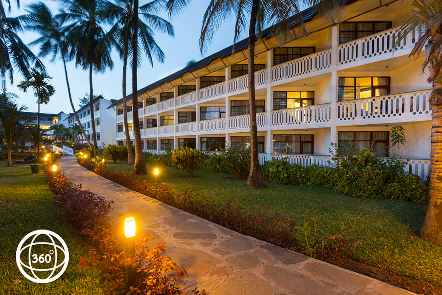 Travellers Beach Hotel